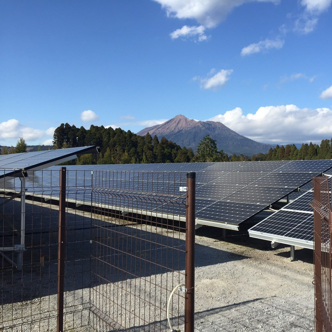 産業用太陽光発電システムの画像